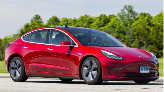 Consumer Reports tests Tesla Model 3 bremsning [KREDIT: Consumer Reports]